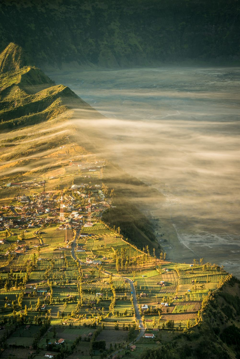 Crater Views, Cemoro Lawang, Bromo, Java, Indonesia